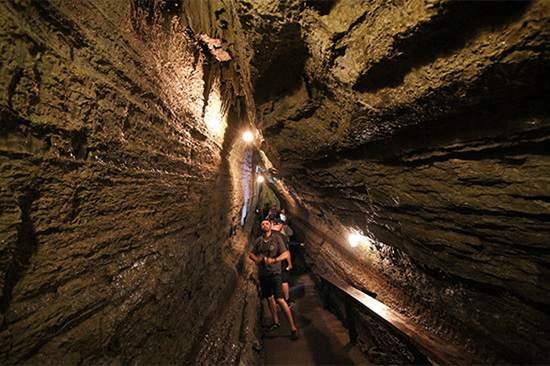 پنج غار دیدنی در اطراف تورنتو