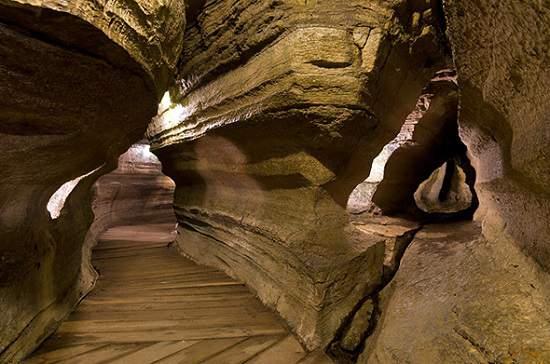 غارهای Bonnechere در انتاریو