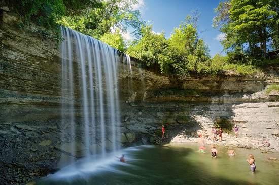 با آبشار Bridal Veil آشنا شوید