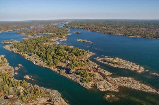 جزیره ای خصوصی با کاتیج های خاص