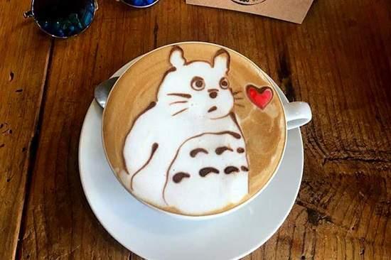 در این کافی شاپ زیباترین قهوه خود را صرف کنید