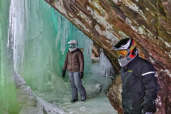 غارهای یخی ، جاذبه گردشگری زمستانی تورنتو