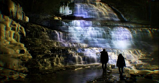 این گذرگاه ده کیلومتری شما را به آبشارهای یخ زده می برد