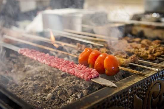 کباب ترکی دوست دارید؟ Barans را آزمایش کنید.